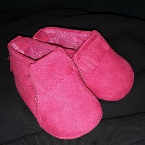 NWOT pink baby shoes